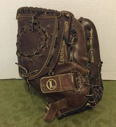 Louisville Slugger Lisa Fernandez Leather H & B Softball Glove… Softball Gloves, Louisville Slugger, Lisa, Size 12, Baseball, Leather, Collections, Bags, Amazon