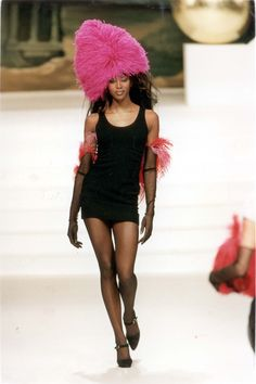 e6f2c6b432cd 1994 Naomi Campbell in Chanel Couture Spring 1994  catwalkmodel Christy  Turlington