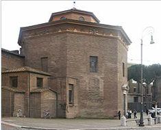 Varhaiskristillisellä ajalla vain tuomiokirkoissa oli kastekappeli. Ainoita paikkoja, joissa suoritettiin kasteita.   Tämä kastekappeli on Rooman ja lännen 1. kastekappeli. Kirkon ikäinen.   Omistettu Johannes Kastajalle, minkä vuoksi kirkkokin myöhemmin omistettiin hänelle.   Kastekappeli on muodoltaan kahdeksankulmio ja sen keskellä on suurehko kasteallas.   Legendan mukaan keisari Konstantinus kastettiin Lateraanikirkon kastekappelissa. Religion, San, Mansions, House Styles, Home, Manor Houses, Villas, Ad Home, Mansion