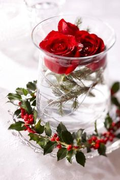 Beautiful table decoration for a Christmas wedding