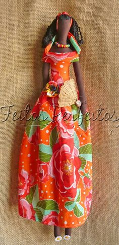 Tilda By Feitos Perfeitos....(i love this tilda doll! she would look cute in a hawaiian muumuu, too!