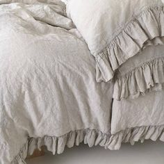 Shabby Chic linen ruffled duvet cover with ruffles. Softened and washed linen. MOOshop new California King, Ruffle Duvet, Linen Duvet, Ruffles, Linen Fabric, Luxury Duvet Covers, Luxury Bedding Sets, Modern Bedding, Modern Bedroom