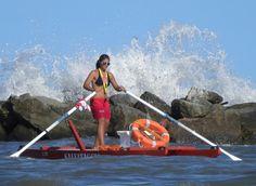 Pattino - small catamaran craft powered by stand up forward rowing