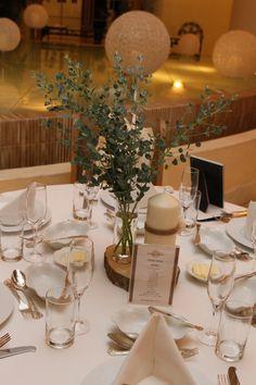 置くだけでおしゃれ度アップ!ゲストテーブル装花のアクセントになる【4大アイテム】はこれ♡にて紹介している画像 Long Table Wedding, Wedding Reception Design, Wedding Table Flowers, Wedding Table Settings, Floral Wedding, Wedding Venues, Wedding Decorations, Table Decorations, Bridal Table