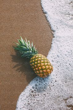 Pineapple on the beach. by BONNINSTUDIO - Stocksy United Pineapple on the beach. Iphone Background Wallpaper, Aesthetic Iphone Wallpaper, Nature Wallpaper, Lock Screen Wallpaper, Aesthetic Wallpapers, Wallpaper Quotes, Summer Backgrounds, Phone Backgrounds, Trendy Wallpaper