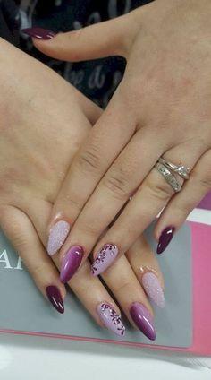53 Beautiful Winter Nails Art Design Inspirations in - Rosa Pink Nails - Nageldesign Pink Gel Nails, Gel Nail Polish Colors, Oval Nails, Purple Nails, Nail Colors, Purple Glitter, Burgundy Nails, Winter Nail Art, Winter Nail Designs