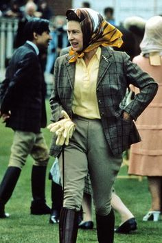 Queen Elizabeth, such a timeless riding outfit that will always be stylish!