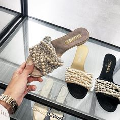 Werbung / Advertising 🤤 Which one would you pick ? Left, middle , right ? Cute Shoes, Me Too Shoes, Shoe Boots, Shoes Sandals, Kinds Of Shoes, Chanel Shoes, Dream Shoes, Luxury Shoes, Summer Shoes