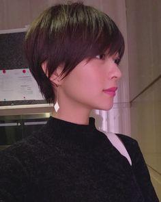 Pin on ヘアアレンジ Pin on ヘアアレンジ Asian Short Hair, Girl Short Hair, Short Hair Cuts, Short Hair Styles, Short Hairstyles For Women, Girl Hairstyles, Androgynous Haircut, Medium Layered Hair, Hair Inspiration