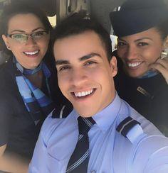 From instagram.com/suhph Vou ter saudade dessas pessoinhas...  #dadinheiromasnaodaintimidade #crewiser #instacrewiser #flightattendantlife #aircrew #flightcrew #flying #crewlife #layover #stewardess #flightattendant #fly #cabincrew #airplane #cabincrewlife #comissariadebordo #steward #airlinescrew #stewardesslife #crewfie #airlines #cabincrewgirls #cabinattendant #cabincrewlifestyle #airline #plane #flightattendants