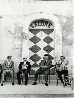 1977, Sicilia (Lisetta Carmi)---I took a photo like this last in Mykonnos,Greece. Classic