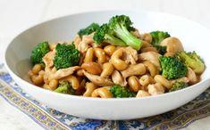 Voici une recette vraiment santé, nourrissante et qui se prépare en 15 minutes... Vous allez adopter cette recette qui est parfaite pour la famille :) Ground Beef Recipes Easy, Paleo Recipes Easy, Healthy Dinner Recipes, Real Food Recipes, Meal Recipes, Budget Recipes, Whole30 Recipes, Recipies, Broccoli Soup Recipes