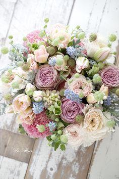 Ideas Flowers Bouquet Box Ideas For 2019 Bridal Flowers, Vintage Flowers, Beautiful Flowers, Flower Bouquet Boxes, Floral Bouquets, Flower Tea, Flower Farm, Artificial Flowers, Spring Flowers