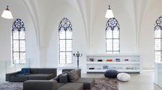Salon dans une église