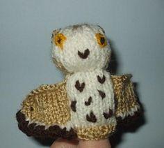 Oscar Owl Finger Puppet