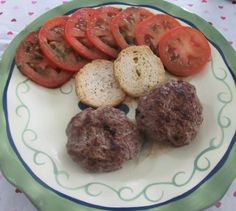 HCG Diet Phase 2 Recipe: Basil Beef Patties with Tomato and Basil Vinaigrette