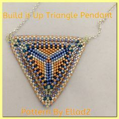 And the first 'Build it Up' triangle pendant is coming from Natalie Chávez. Well done! She said that it was a lot of work :) Thank you for sharing!