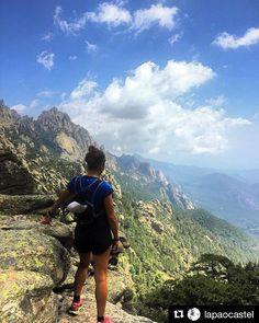 Nuevo día buena mañana nuevos desafíos buenos objetivos . @lapaocastel contemplando un maravilloso lugar del planeta tierra . #Repost @lapaocastel (@get_repost)31 vueltitas al . gracias a TODOS - donde vamos ahora?  #stgomrco #buffchile #cabradelmonte #cervezaquimera #nutricionenbalance #club #equipo #crew #training #run #runner #mountain #trailrunning #ultratrail #running #outside #outdoor #experience #getoutside #tbt #corsica #coldibavella #trail #summer #nofilter #trailporn #santiago…