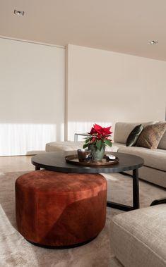 Living Room Designs, Living Room Decor, Elegant Living Room, Sofa Seats, Center Table, Apartment Living, Interior Inspiration, Family Room, Furniture Design
