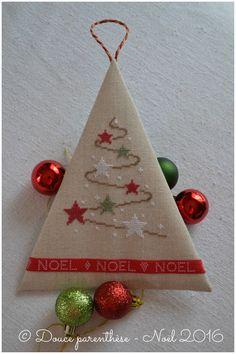 * * *   Pas de Noël sans sapin ! Celui est tout petit ...   (grille d'origine inconnue car...