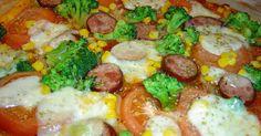 recipe for an original Italian Neapolitan pizza with broccoli, sausage … Pizza Meme, Pizza Logo, Pizza Restaurant, Flatbread Pizza, How To Make Pizza, Dough Recipe, Tomato Sauce, Vegetable Pizza, Broccoli