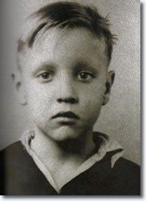 Elvis Presley, 1942