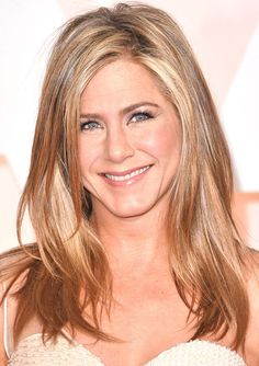 Jennifer Aniston Reveals 9 Fun Facts You Probably Never Knew, Including One About Her Wedding | E! Online Mobile