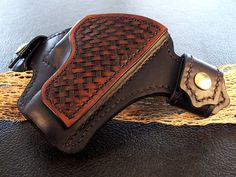 Glock 19 Handcrafted Leather Holster w by BoriquaLeather on Etsy