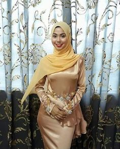 Fashion Tips You Definitely Have To Read – The Street Savvy Hijab Style Dress, Hijab Chic, Beautiful Hijab, Beautiful Asian Women, Muslim Women Fashion, Muslim Beauty, Turkish Fashion, Girl Hijab, Muslim Girls