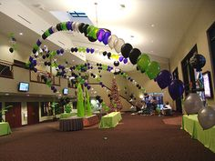 Happy New Year Decoration Ideas 2019 - Best Decorating Ideas For New Years Eve Parties New Year's Eve Party Themes, New Years Eve Decorations, Birthday Balloon Delivery, Birthday Balloons, Balloon Columns, Balloon Arch, Balloon Frame, Balloon Centerpieces, Balloon Decorations