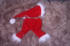Unisex baby boys/girls Santa Outfit Photography Prop,Red with White fur trim,Santa hat and Pants,In sitter sizes also,Handmade in the uk. Santa Outfit, White Fur, Unisex Baby, Santa Hat, Fur Trim, Photography Props, Baby Boys, Boy Or Girl, Hats