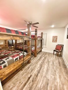 Luxury vacation farmhouse cabin on the Caddo River in Glenwood, AR, bunk room, bunk beds
