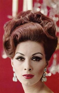 Vintage Hairstyles Updo classy do Historical Hairstyles, 60s Hair, Bouffant Hair, Hair Reference, Pin Curls, Retro Hairstyles, Hair Photo, Hair Inspiration, Hair Makeup