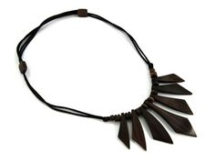 Wooden necklace http://www.etnobazar.pl/search/ca:bizuteria-i-dodatki?limit=128