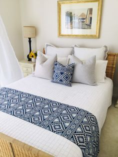 Bed runner Bed scarf Tribal style bedroom decor Blue and white bedding Cushion for bedroom Jacquard bed runner Boho home decor Bed linen Blue And White Bedding, Blue Bedding, Blue Bedroom Decor, Home Decor Bedding, Modern Master Bedroom, Home Bedroom, African Interior Design, Bed Cover Design, Bed Scarf