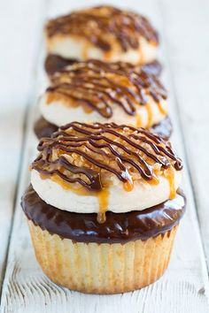 Samoa cupcakes, delicious vanilla, chocolate, caramel and toasted coconut flavors blended together in these decadent dessert by Cooking Classy. Samoa Cupcakes, Yummy Cupcakes, Best Cupcakes, Georgetown Cupcakes, Caramel Cupcakes, Mocha Cupcakes, Gourmet Cupcakes, Cheesecake Cupcakes, Velvet Cupcakes