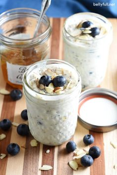 This overnight oatmeal comes together in just 5 minutes and is easily customizable using your favorite fruit and jam. Requires no cooking, and since it's prepared in a single serving jar with lid, it's perfect for on the go, too! What's For Breakfast, Best Breakfast Recipes, Breakfast Dishes, Sweet Recipes, Real Food Recipes, Cooking Recipes, Real Foods, Ww Recipes, Dinner Recipes