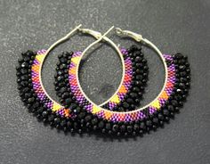 New hoop earrings designs New hoop earrings designs Beaded Earrings Patterns, Bridal Earrings, Bead Earrings, Jewelry Crafts, Handmade Jewelry, Bead Jewellery, Designer Earrings, Creations, Jewelry Design