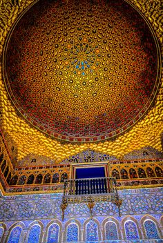Hall of the Ambassadors at Royal Alcazars of Sevilla, Spain Seville is the capital of southern Spain's Andalusia region. It's famous for flamenco dancing, particularly in its Triana neighborhood. Islamic Architecture, Beautiful Architecture, Beautiful Buildings, Art And Architecture, Beautiful Places, Architecture Wallpaper, Beautiful Pictures, Kirchen Design, Oh The Places You'll Go