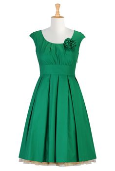 Shop women's fashion clothes, party dresses, plus size evening dresses, elegant dresses, women's short sleeve dresses | eShakti.com