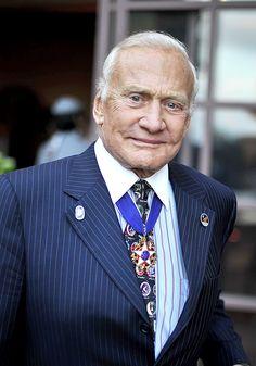 Astronaut Buzz Aldrin sells Wilshire Corridor condo Apollo 11, Buzz Aldrin, Corridor, Condo, News, Places, Men, Mars, The Moon
