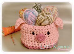 Amigurumi Doraemon - Reto Handmade - Little Kimono Handmade ❣ Crochet Pig, Crochet Bowl, Crochet Fabric, Fabric Yarn, Crochet Purses, Crochet Patterns, Cotton Cord, Crochet Storage, Knit Basket