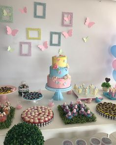 Enchanted Garden Party: 80 ideas and tutorials for a day full of magic - myeasyidea sites Frozen 3rd Birthday, Baby Girl First Birthday, 1st Birthday Parties, Birthday Celebration, Work Baby Showers, Elegant Birthday Cakes, Butterfly Birthday Party, Birthday Decorations, First Birthdays