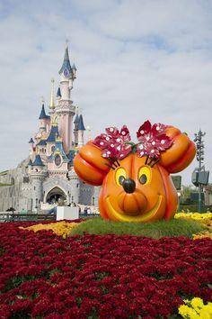 Disney's Halloween Festival Brings Fall Fun to Disneyland Park – Paris