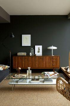 Je Revois Mes Murs De Salon Dans Un Gris Foncé Ultra Tendance Peintures  Vertes, Salon