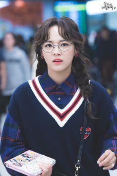 dedicated to female kpop idols. Kpop Girl Groups, Korean Girl Groups, Kpop Girls, Kpop Outfits, Fashion Outfits, Kim Sejeong, Pretty Asian, Kawaii, Famous Women