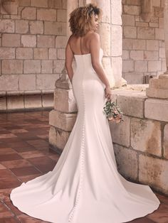 It goes without saying that a figure-flaunting gown should fit and flatter. This minimalist strapless sheath bridal dress is designed to smooth, enhance, and captivate in all the right places. Fit And Flare Wedding Dress, Wedding Dress Sizes, Bridal Dresses, Bridal Veils, Gown Wedding, Chic Wedding, Wedding Stuff, Minimalist Gown, Minimalist Chic