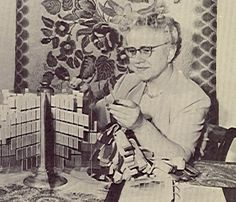 Just Started Reading Pearl Mcgown S The Dreams Beneath Design Book That Helped Promote Her Rug Hooking Business