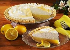 Give a lemony treat to your taste buds today with this delicious – lemon pie! Cheese Recipes, Pie Recipes, Sweet Recipes, Dessert Recipes, Cooking Recipes, Drink Recipes, Healthy Recipes, Parfait Desserts, Lemon Desserts