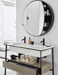 I've been spotting some fantastic DIY vanity mirror recently. Here are 17 ideas of DIY vanity mirror to beautify your room Diy Vanity Mirror, Bathroom Mirror Cabinet, Mirror Cabinets, Bathroom Mirrors, Master Bathroom, Bad Inspiration, Bathroom Inspiration, Bathroom Ideas, Bathroom Toilets